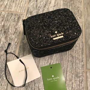 Kate Spade Jewelry Case: Great for travel!